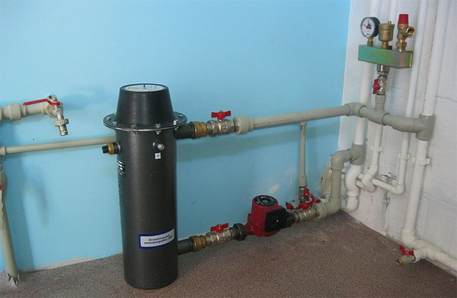 Электрокотел для отопления гаража ТЭНовый