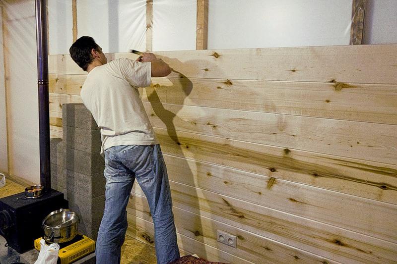 Чем обшить стены в доме внутри недорого и быстро