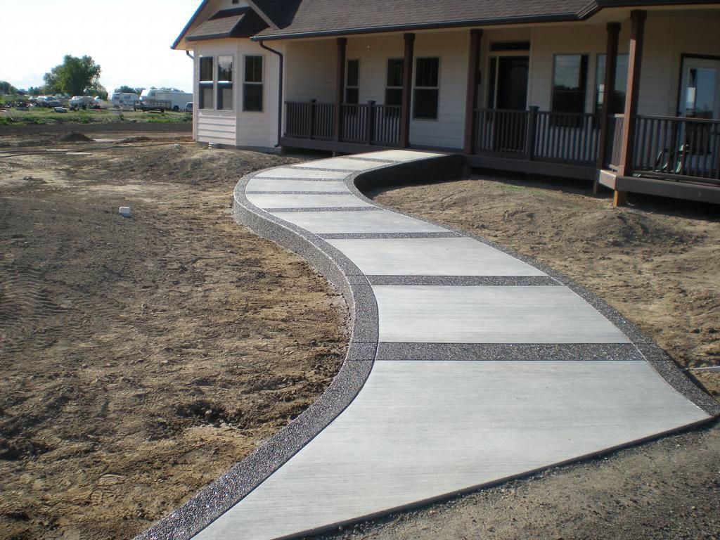 бетон во дворе дома
