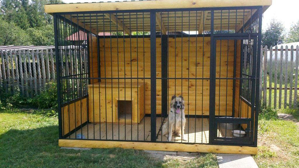 деревянный вольер для собак